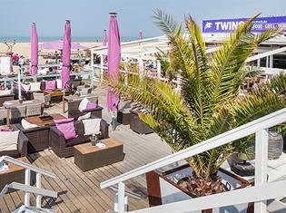 Scheveningen strand beachclub twins